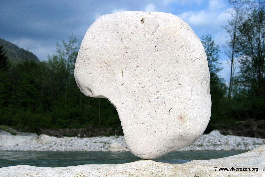 pietra in equilibrio