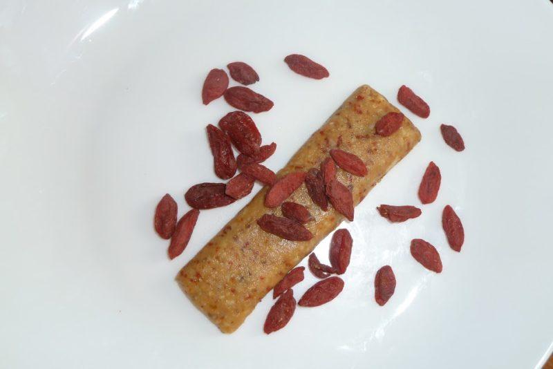 barretta-crudista-bacche-di-goji-cereali