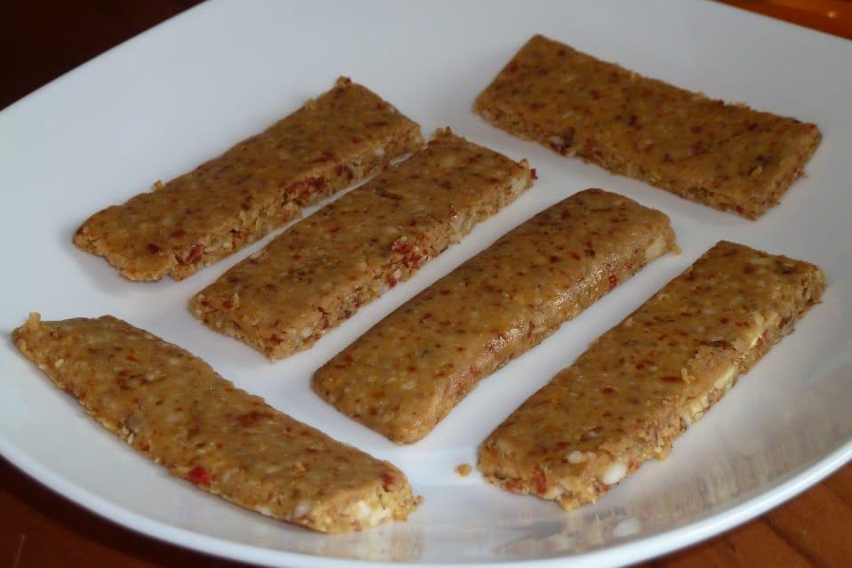 barrette-crudiste-ai-cereali-e-alle-bacche-di-goji