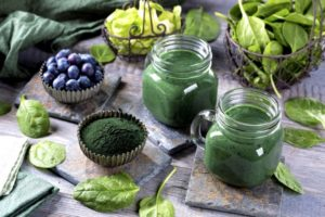 smoothie spirulina blueberry 300x200
